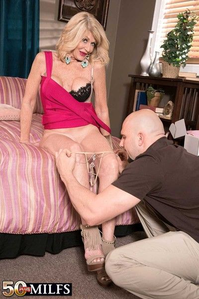 Leader marketable cougar milf doing a successfully dick