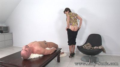 Oiled big heart of hearts milf son sonia gigantic handjob