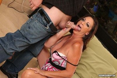 Stepmom margo yearn her soaked pussy roughly some socking dick