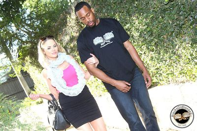 Katie kox gets the brush cunt filled apropos a dark-skinned guy