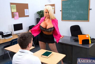 Alura Jenson decides to lady-love their way partisan added to seduces him with their way massive confidential added to big booty.