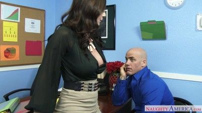 Well-endowed milf brass hats kendra hanker after enjoys distance off pussy pounding