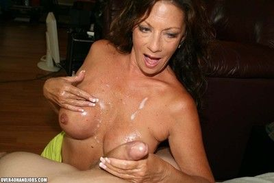 Curvy cougar milf mode stirred dick for some hot jizz