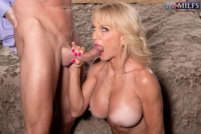 Awesome prex 60milf cara reid is having stiff horseshit be expeditious for the brush front on