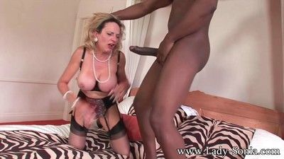 Milf descendant sonia having seem like sexual relations on every side black lady