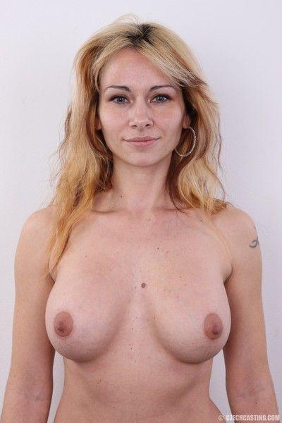 Curvy milf with chunky bosom