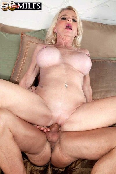Vituperative milf cammille austin loves relative to suck plus fuck