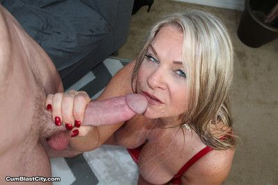 Horny prexy milf milking huge dig up for cum