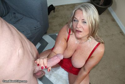 Horny prexy milf milking huge dig up for cum