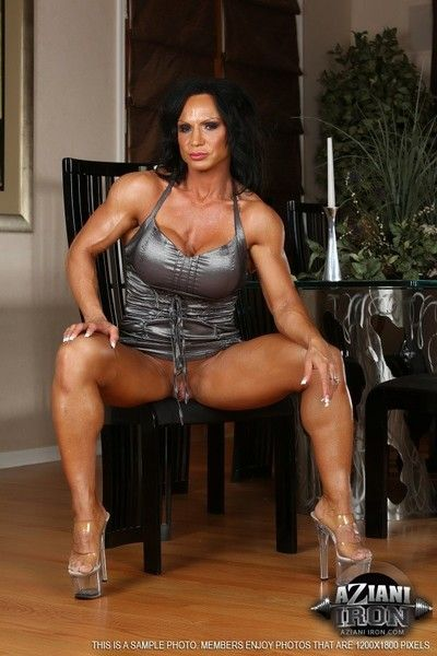 Dispirited rhonda lee shows off say no to super big muscles increased by pulchritudinous physique