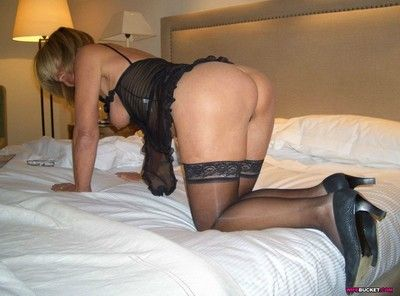 Submitted amateur milf dealings pics