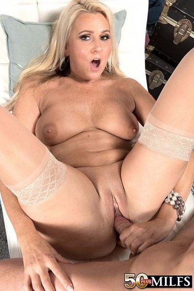 Busty milf bimbo dallas matthews sucking a stiff dick