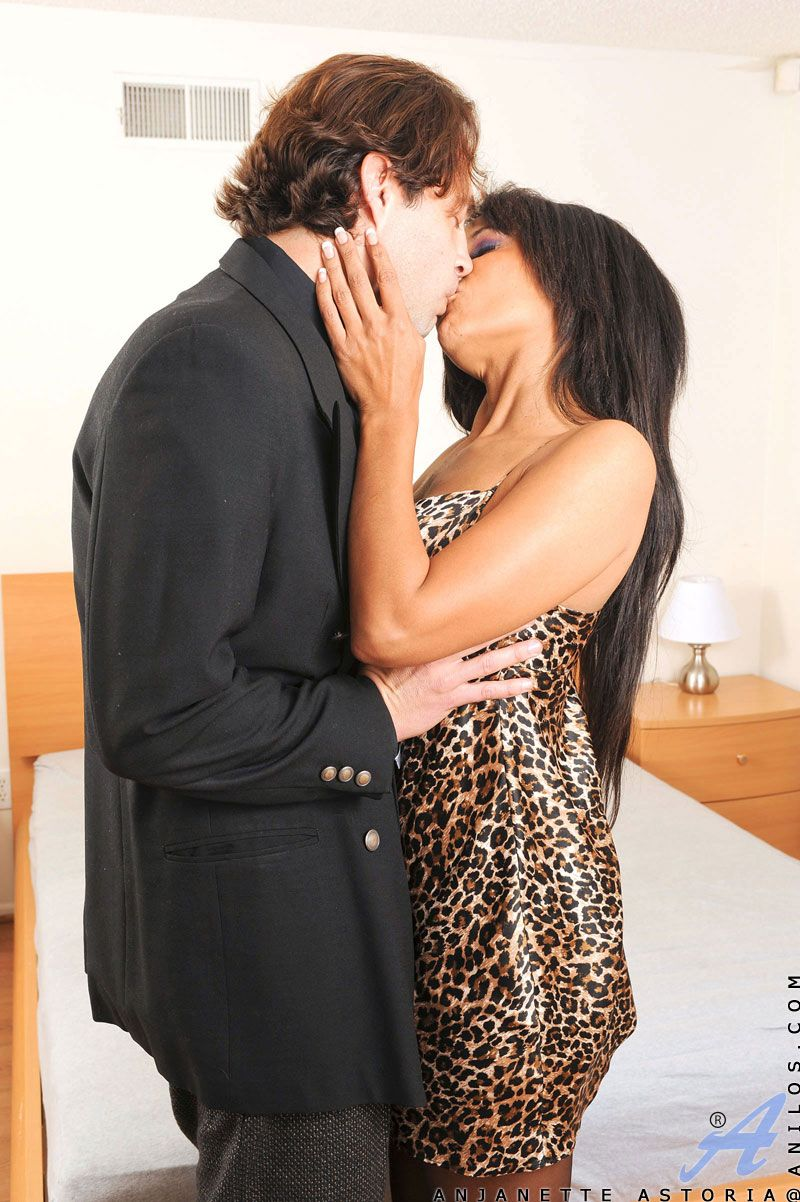 Sex buff Anjanette Astoria sucks in excess of a cock before getting screwed with an increment of jizzed in excess of