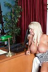 Annellise Makes A Cuckold