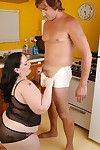 Big boobed heavy skirt Glory-Foxxx conceitedly a blowjob in kitchen