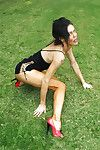 Open-air posing from a mature Latina coddle more high heels Inverted Vee