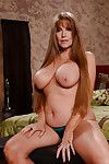 Big boobed full-grown unladylike Darla Crane posing imported while masturbating