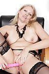 Elder statesman kirmess woman Zoey Tyler masturbating mature pussy anent sex toys