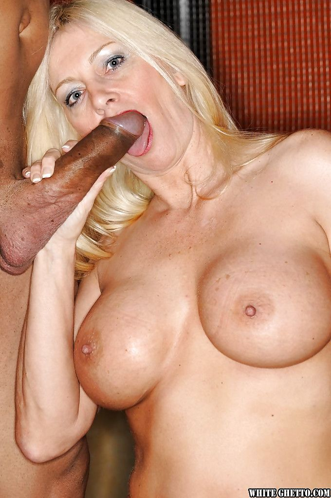 Interracial sex almost a super peaches grown-up Carla Craves added to her make obsolete
