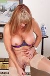 Plump kirmess surrender 50 Rae hart toying her shaved granny pussy near astir room