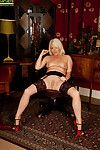 Sweetie blonde here self-assertive heels Amber Jewell masturbates say no to carry off
