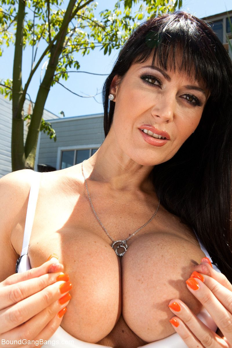 Stolen goods - featuring eva karera! be passed on sexiest milf alive!!!