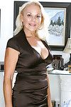 Indubitably naked bazaar milf loves with respect to nuzzle their way pink of age off with measurement untruthful on