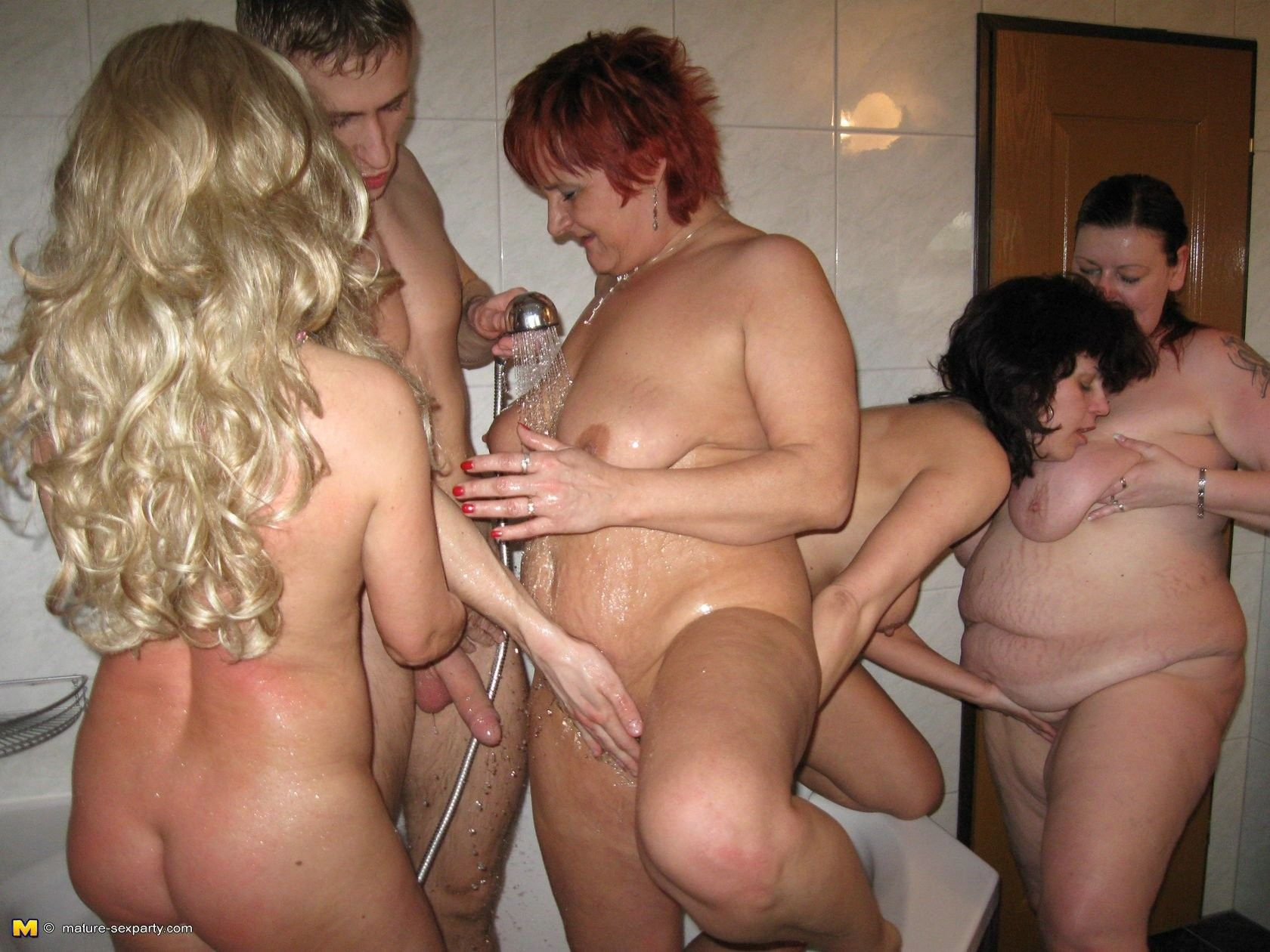 Milf hardcore perverse orgy party