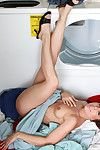 Anilos housewife annabelle genovisi spreads her queasy pussy thither get under one's laundry room