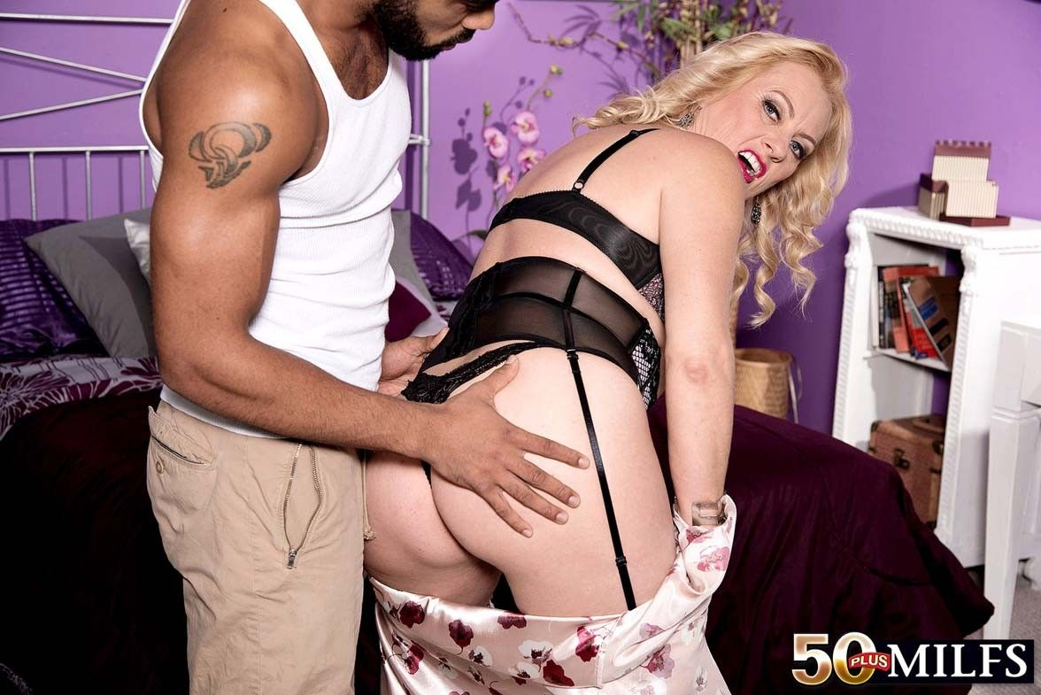 Prexy 50 milf bitch little one dulbin screwing stiff black dick