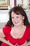 Adult amateur felicia mcdonald spreads flimsy pussy
