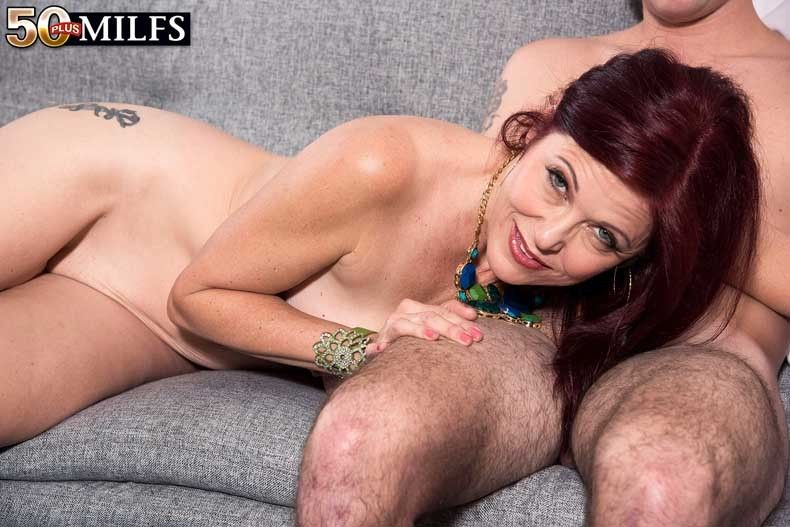 Sexy milf dana having a la-de-da cock for will not hear of grungy pussy