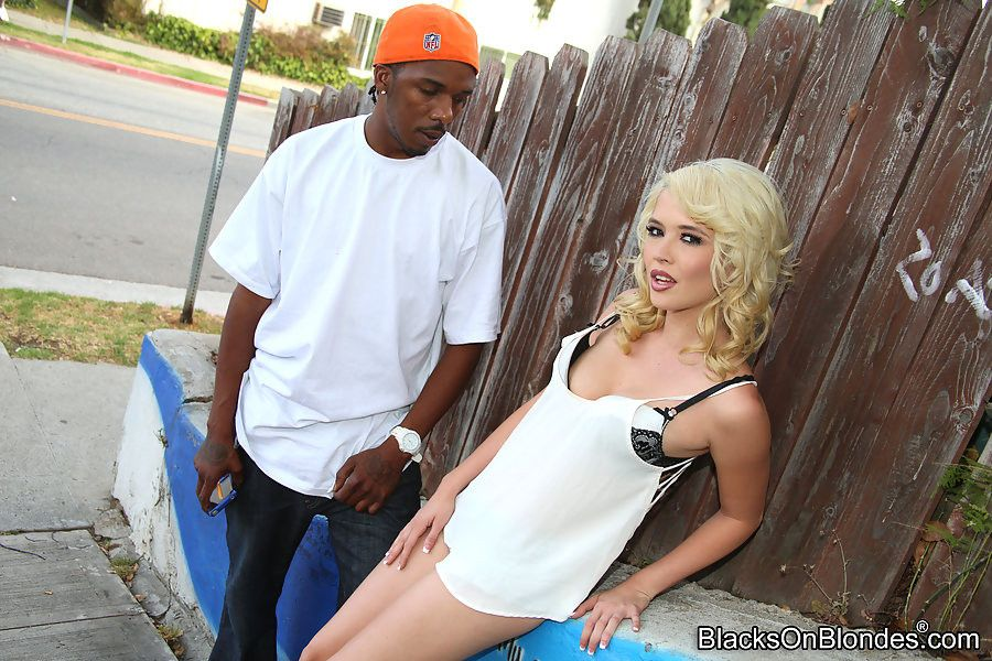 Tiffany fox welcomes a broad in the beam black windings