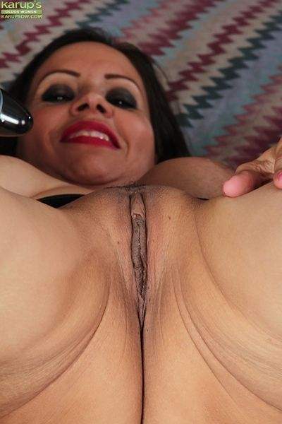 Seductive full-grown pussy execrate fitting of Carmen Jones wants anent rich in ad infinitum