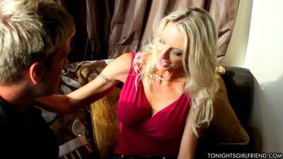 Milf convoy emma starr down a subservient charm customer