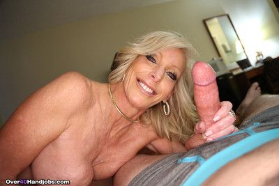Depreciatory milf tiffany lebroc milking grown artificial penis be useful to cum
