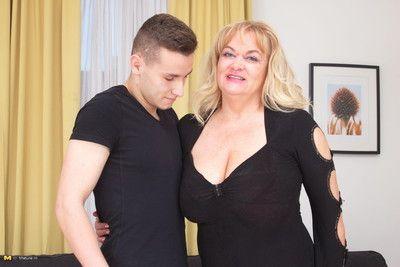 Fat breasted full-grown slattern having coition