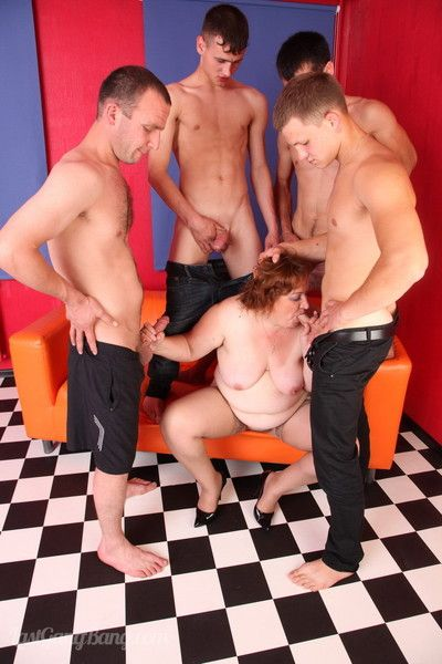 Boys crawling relative to a gingerhaired plumper satisfying them
