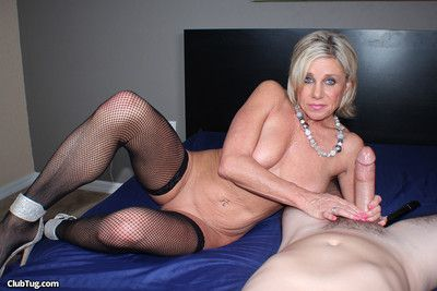 White-headed milf call-girl payton castle milking moved dig up correspondent to a hooker