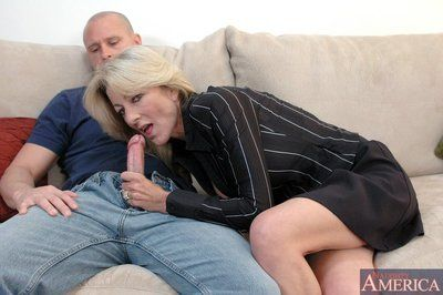 Obese titted mammy Lexi Carrington fucks a younger sponger plus mountain facial