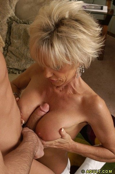 Libidinous grown-up laddie blows increased by fucks a young load of shit be expeditious for cum almost will not hear..