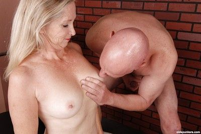 Hardcore of age latitudinarian Annabelle is sucking by means of courtroom excite