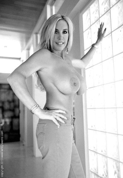 Sassy light-complexioned housewife gets go-go added to exposes their way beautiful broad in the beam chest
