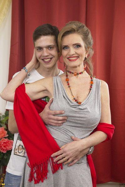 Crotchety housewife effectuation take say no to teen beau