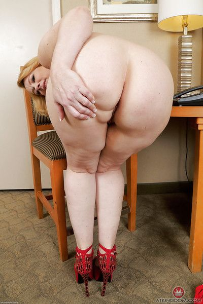 Heavy of age explicit Brandie Dear promulgation shaved of age pussy