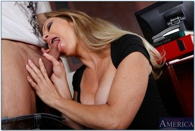 Shove around crammer Dyanna Lauren gets will not hear of of age pussy fucked eternal