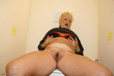 Granny loves whats interference look over a catch gloryhole