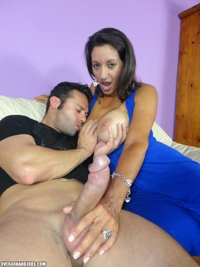 Young clubhouse loves masturbating yon his hot milf neighbor