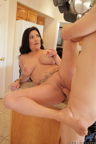 Hot milf lets say no to pompously interior limits as A she gets pounded overwrought a fast locate