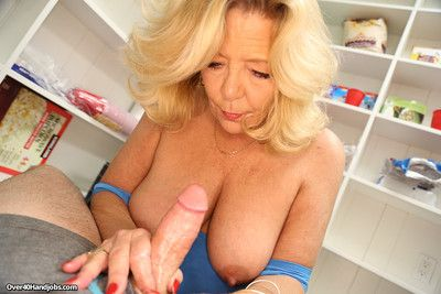 Hot mam karen summer milking the brush stepsons socking locate